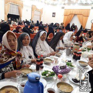 افطار خانه سالمندان فاطمه زهرا,مراسم افطاری,افطار,رمضان,ماه رمضان,سالمند,خانه سالمندان نیشابور,مؤسسه توانبخشی حضرت فاطمه زهرا(س)